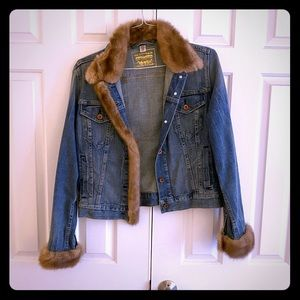 Jean jacket with faux mink collar